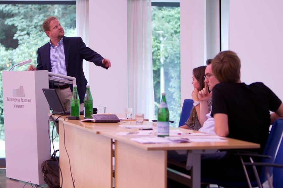 Prof. Dr. Clauss Peter Sajak
