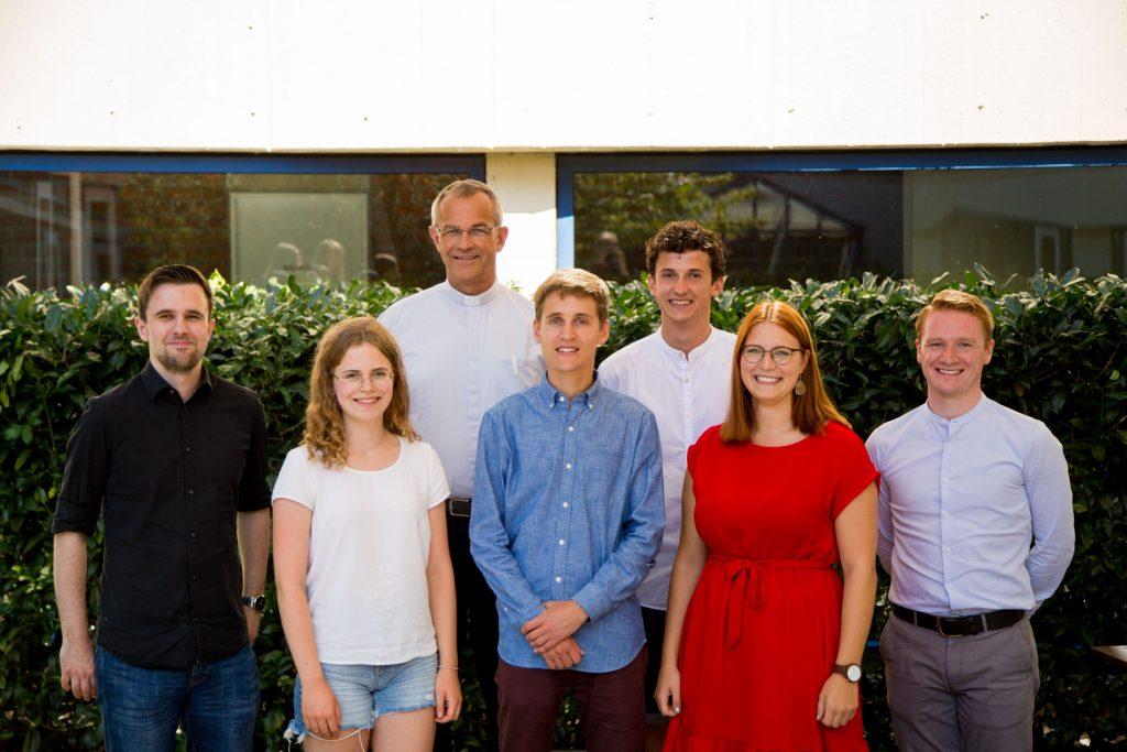 Neu gewählter Vorstand (v. links): Julian Welling, Miriam Schäfer, Peter Klasvogt, Felix Heinemann, David Obermeier, Hannah Kottmann, Michel Focke